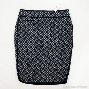 NWT! LOFT Pencil Skirt – Blue and White Ikat Print